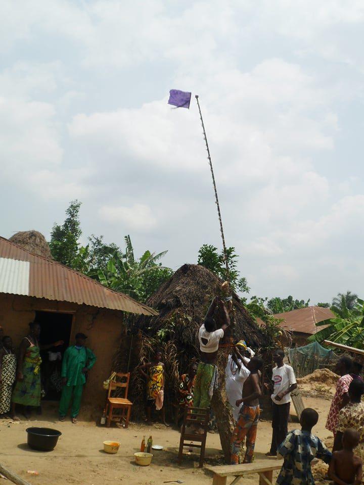 montée du drapeau shango à Djigbé bénin