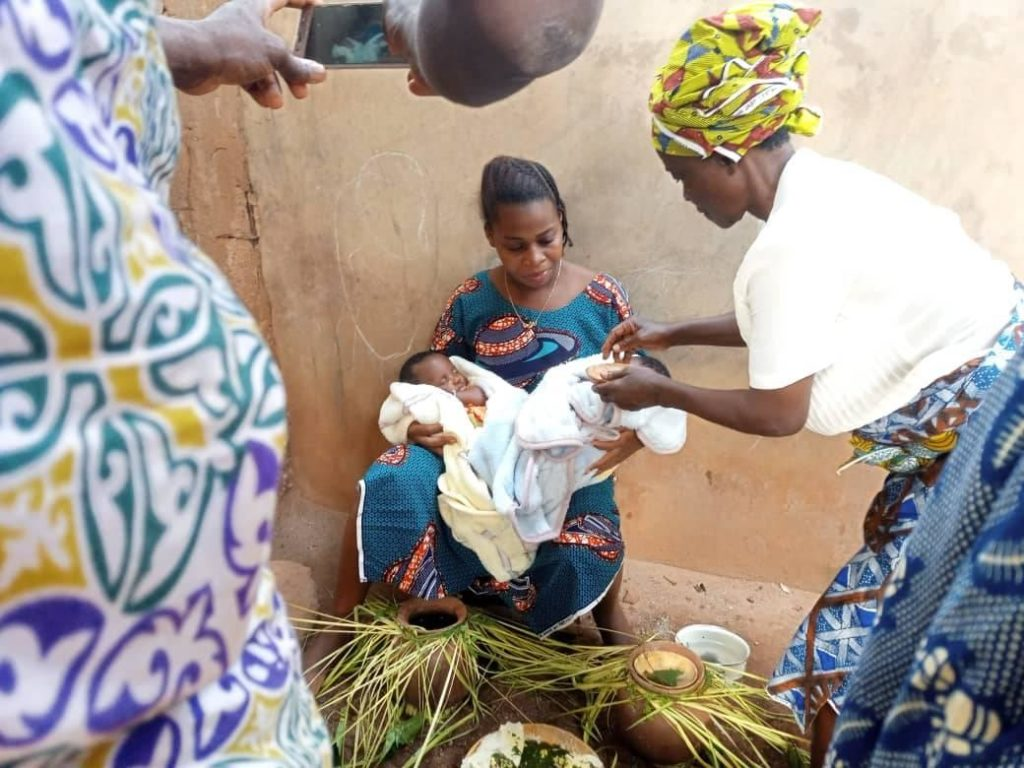 rituel cultuel initiation des nouveaux-nés à l'agriculture au Dahomey